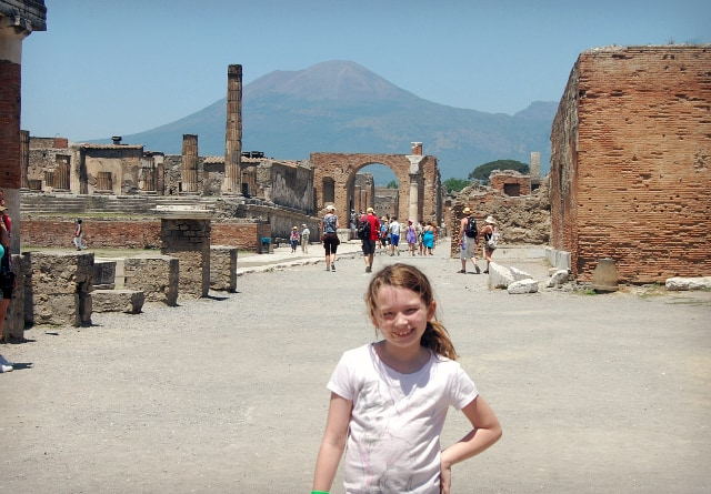 excursion in pompeii