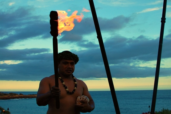 four seasons manele fire show