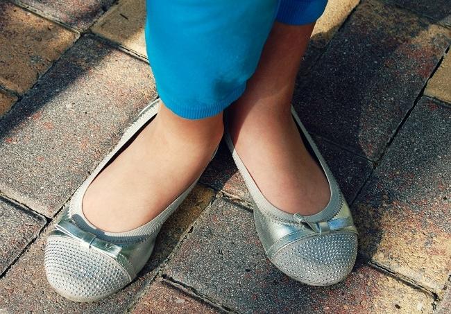 michael kors girls shoes claret