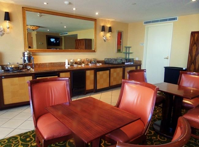 jw marriott nola lounge