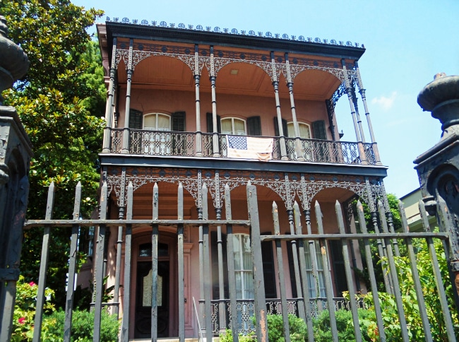 haunted mansion nola