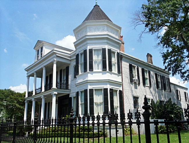 New Orleans Haunted Tours Free