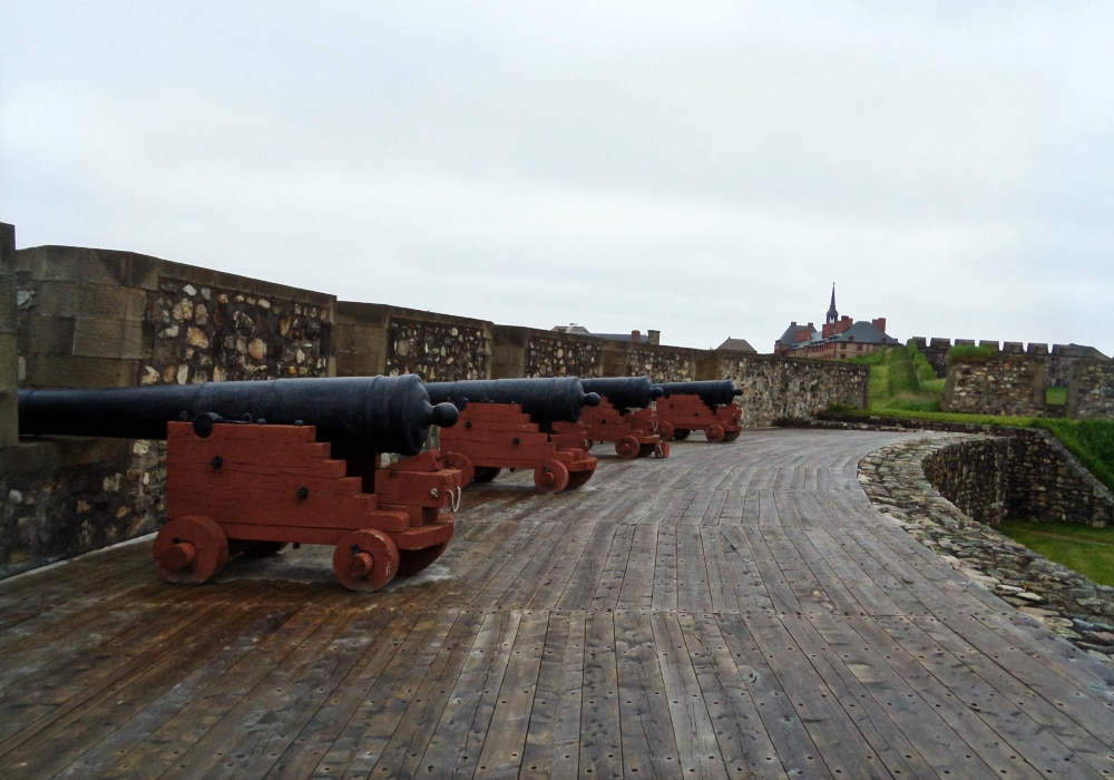 fortress of Louisbourg cannons