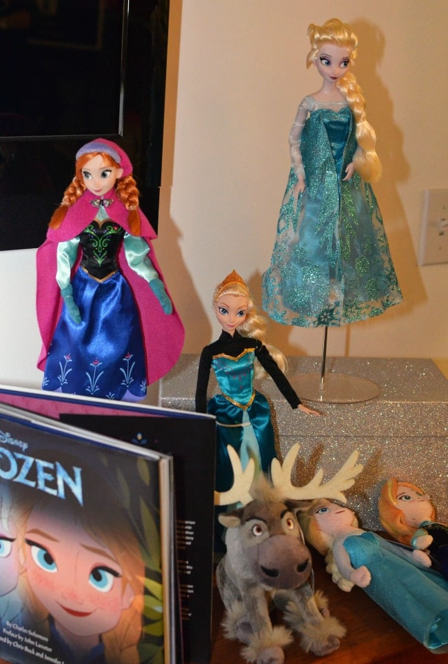 Frozen Toys R Us : Disney s frozen must have holiday toys gifts