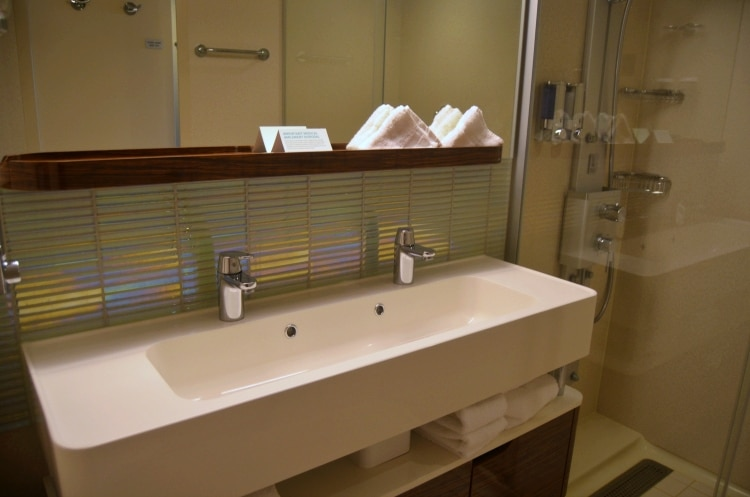 norwegian getaway mini suite bathroom