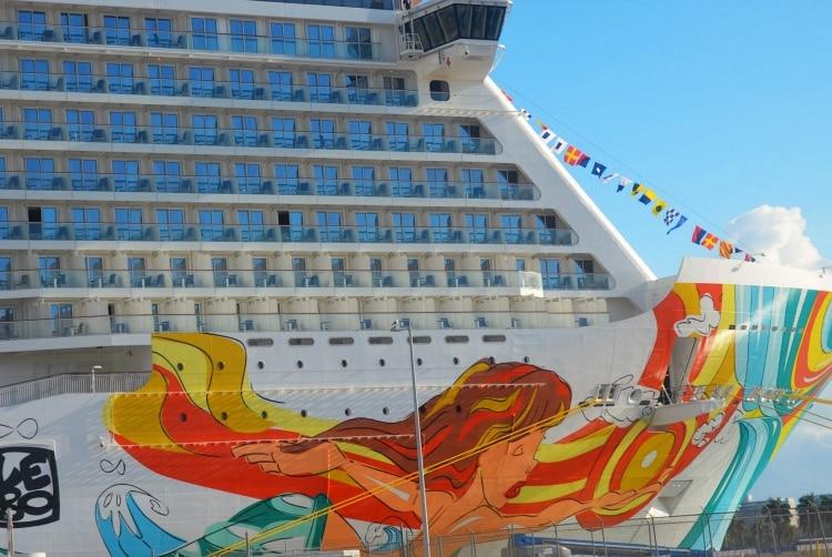 norwegian getaway hull art