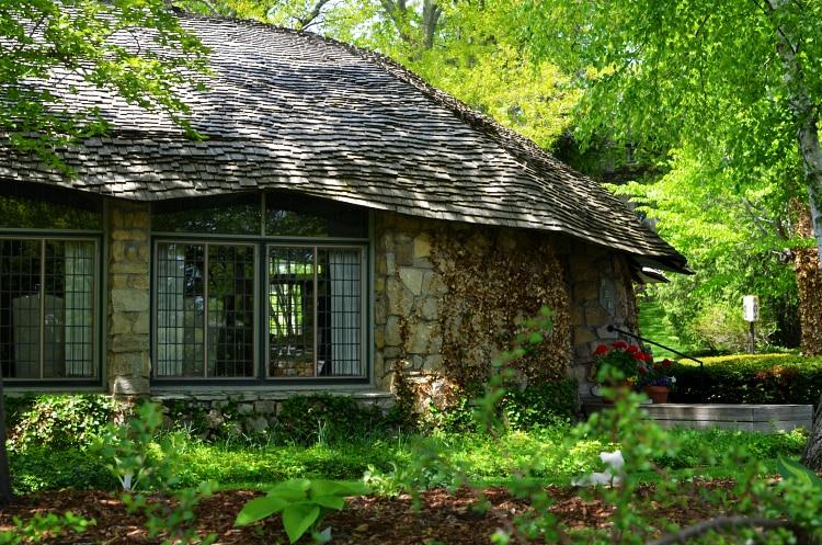 mushroomhouse1