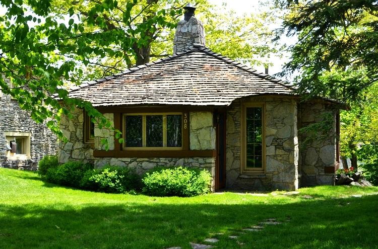 mushroomhouse3