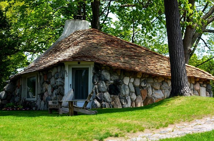 mushroomhouse4