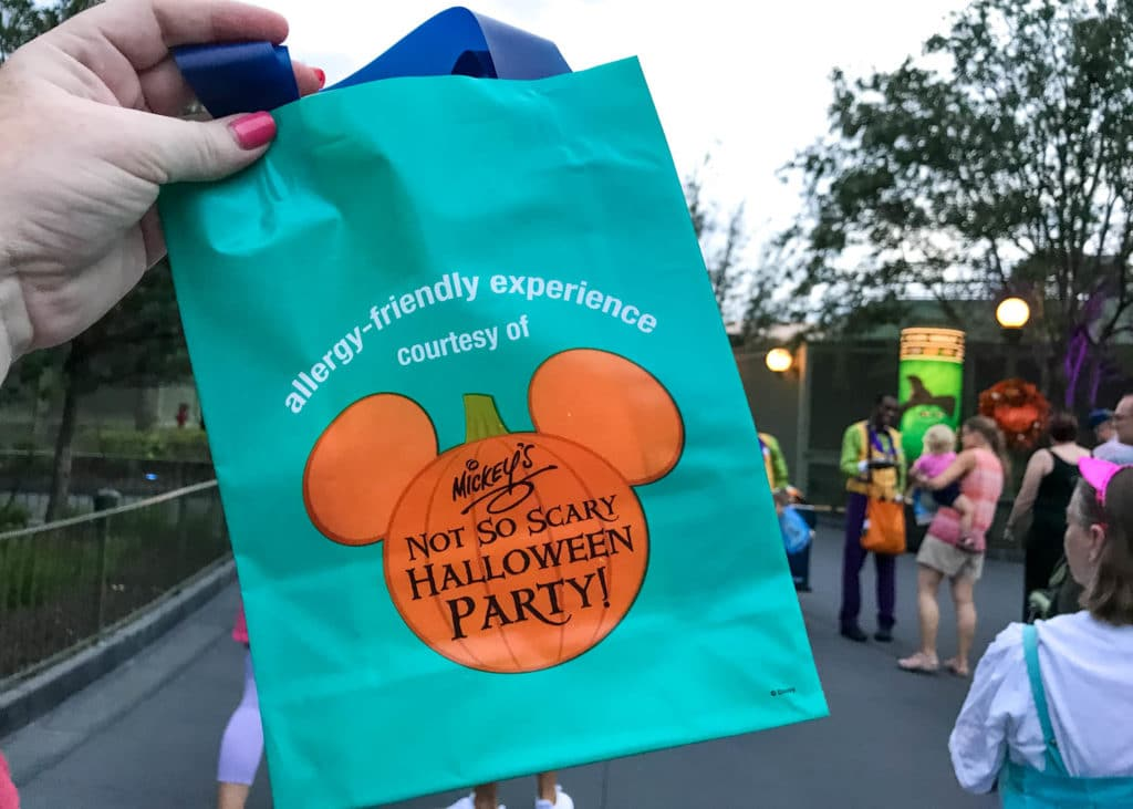 mnsshp allergy friendly treat bag teal