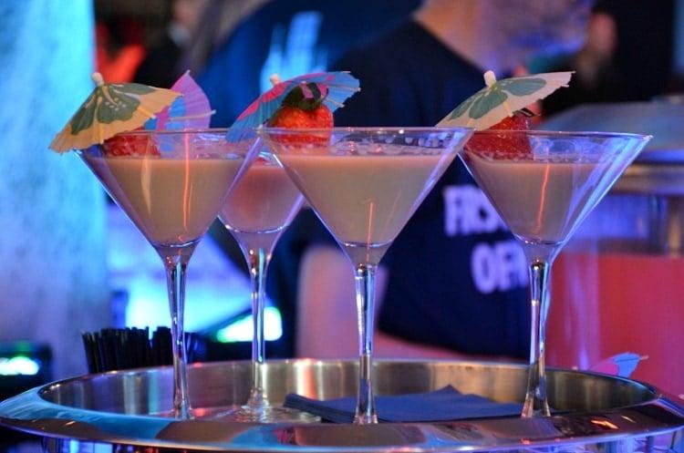 carnival vista cocktails