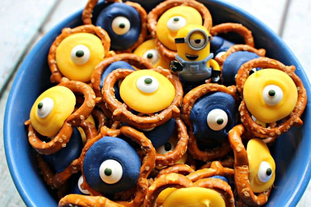 chocolate minions pretzels