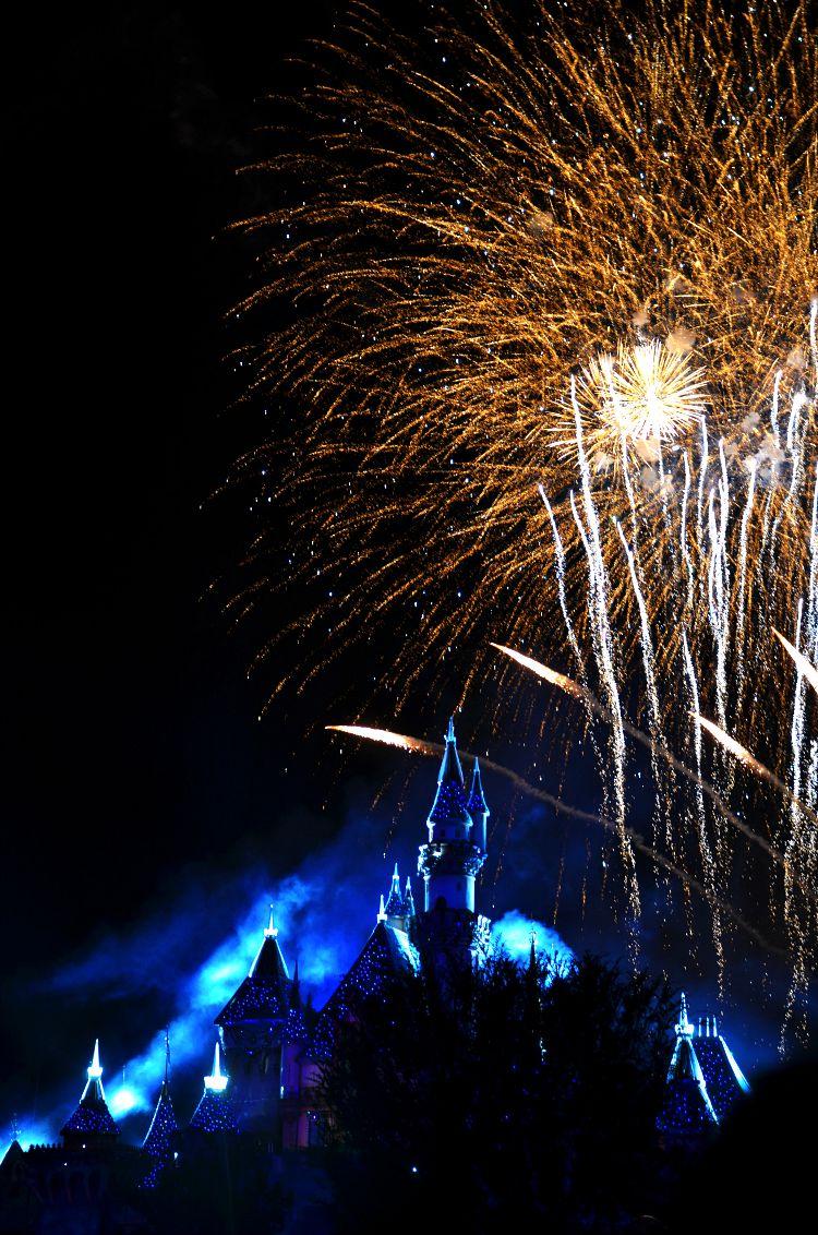 disneyland 60 fireworks