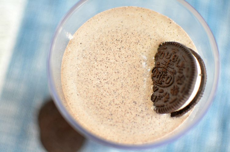Double Chocolate Cookies N' Cream Milkshake Recipe