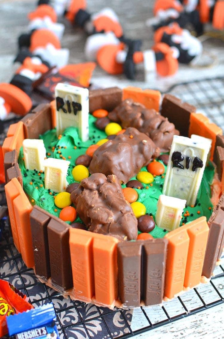 kit kat halloween graveyard cake recipe