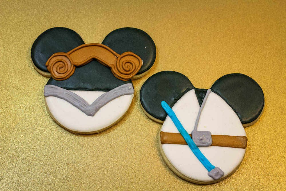 Princess Leia and Luke Skywalker Cookies