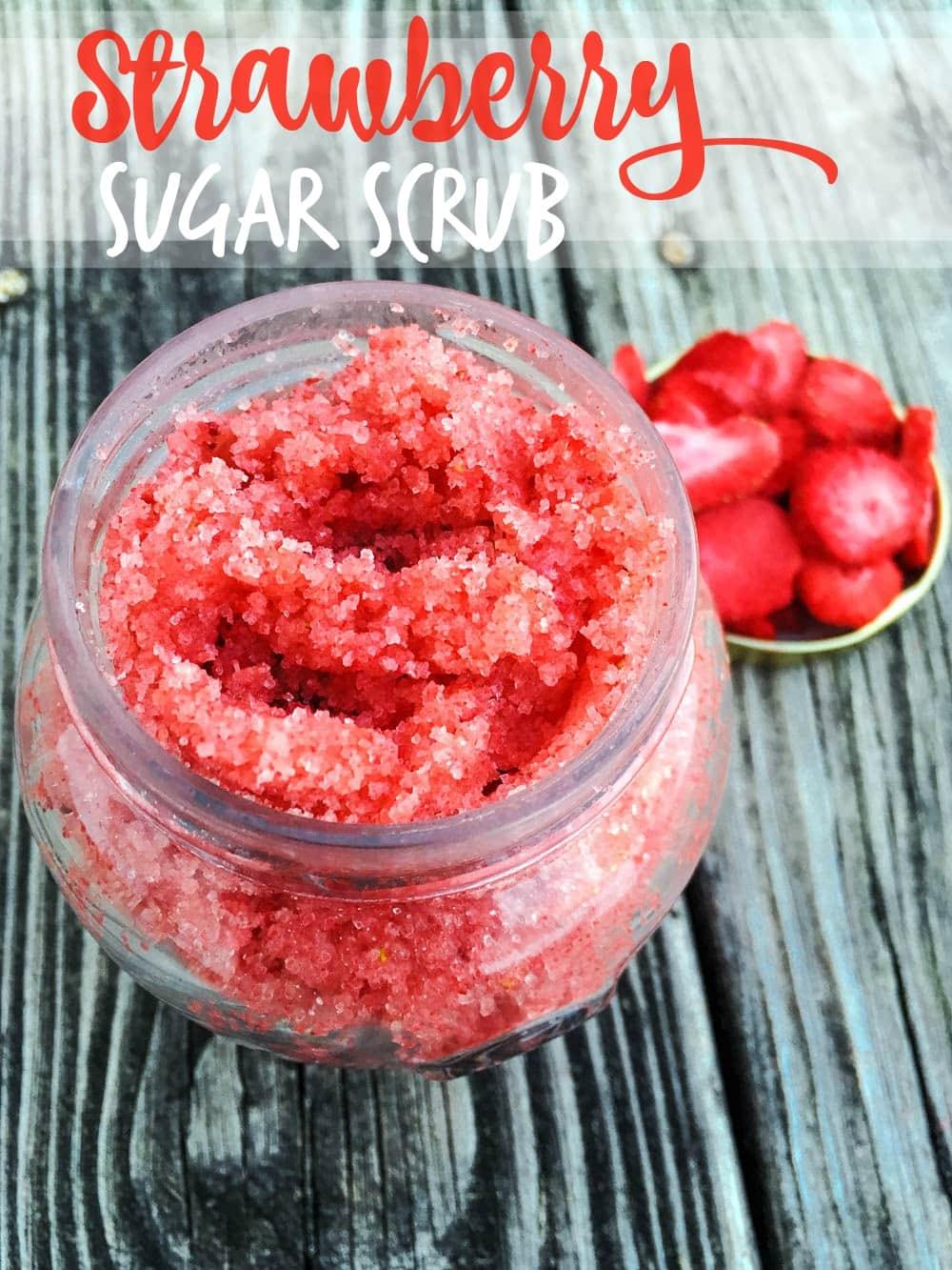 Easy Diy Sugar Scrub: DIY Strawberry Sugar Scrub