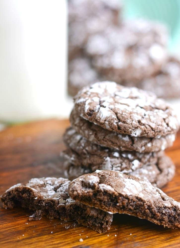 chocolate-crinkle-cookies-6