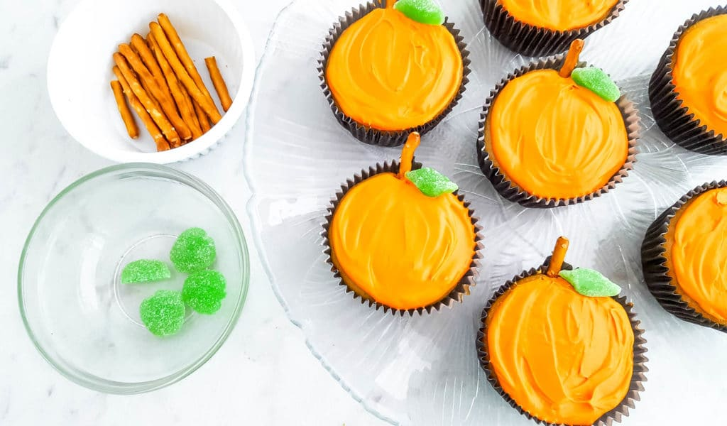 Easy Jack O Lantern Cupcakes For Halloween