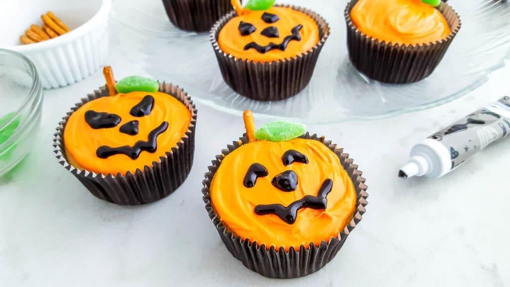 Easy Jack 'O Lantern Cupcakes for Halloween