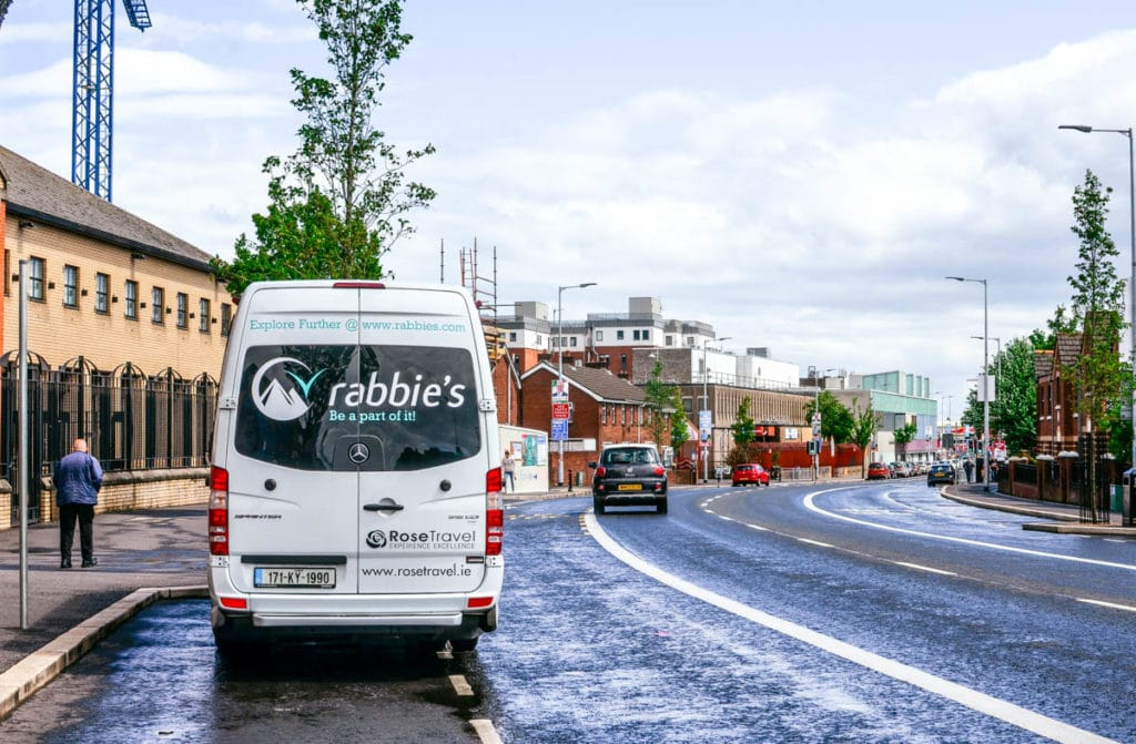 rabbie's tour bus northern ireland