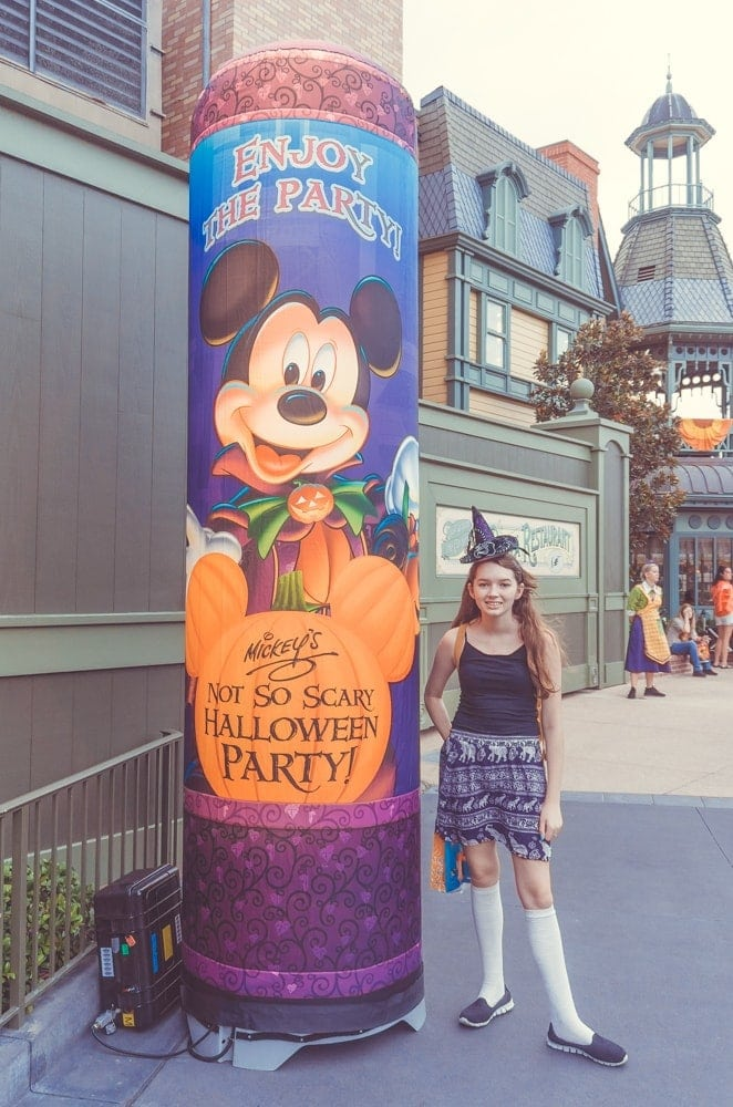mickey's not so scary Halloween party treat stops
