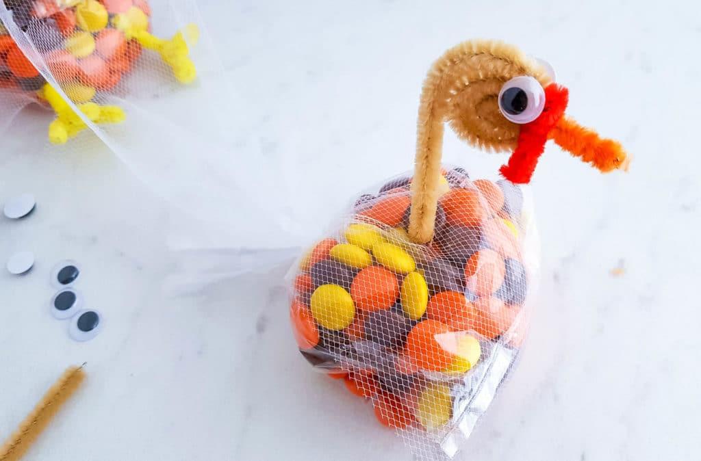 DIY Thanksgiving Turkey Treat Bags for kids