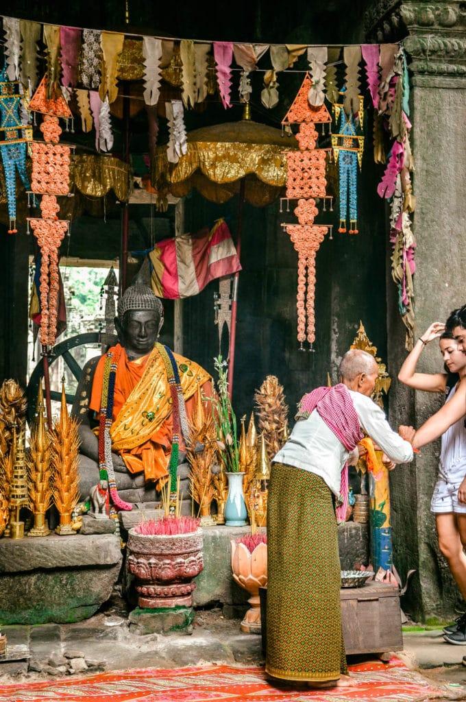 angkor wat blessing monk