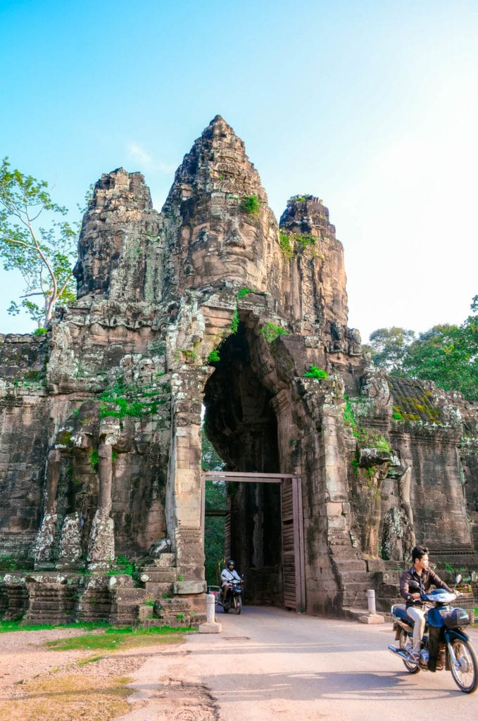 angkor thom entrance site