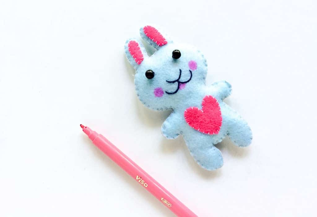 How to Make a Felt Plushie Bunny for Easter