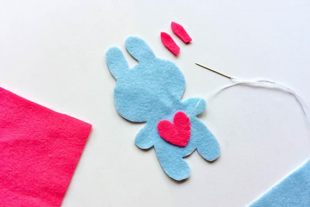 easy sew felt plush bunny