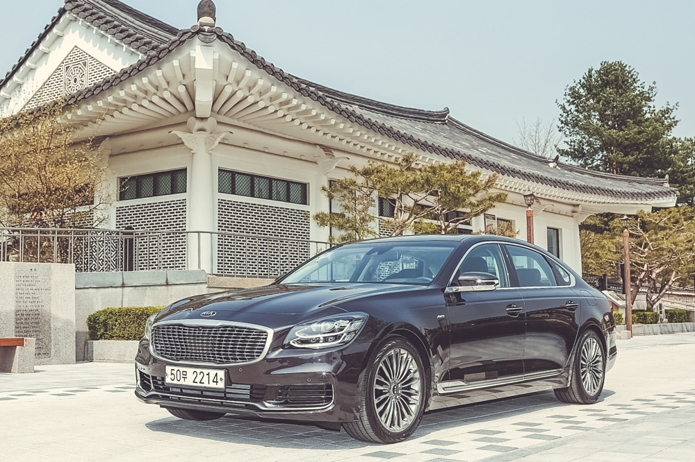 kia k900 in seoul korea