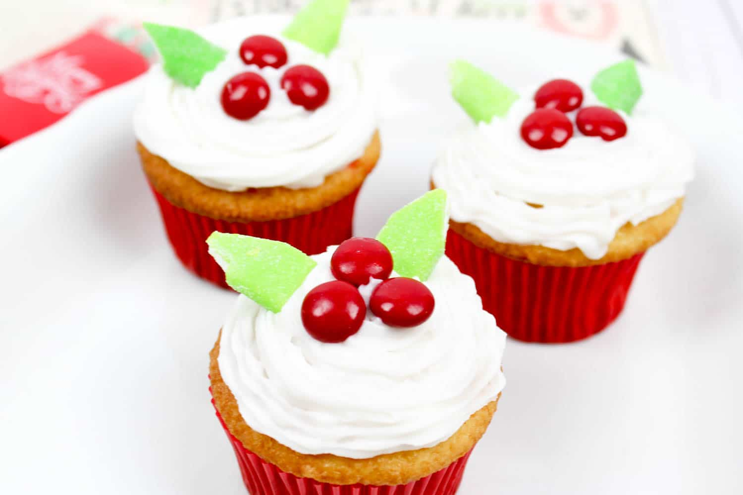 Easy Christmas Cupcakes You Can Make at Home!