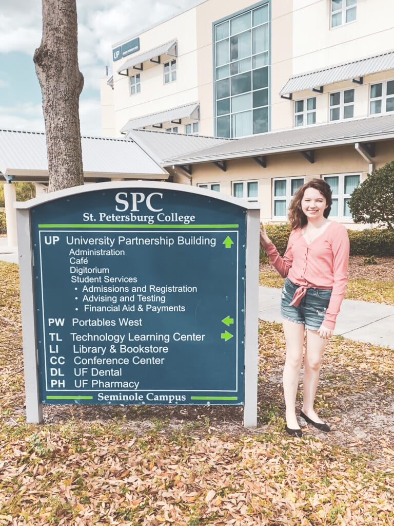 girl in front of st pete college sign for florida prepaid