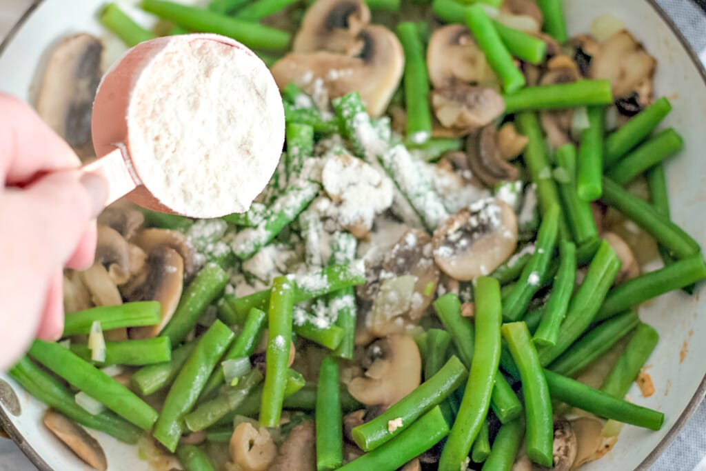 green bean casserole with mushrooms and chicken