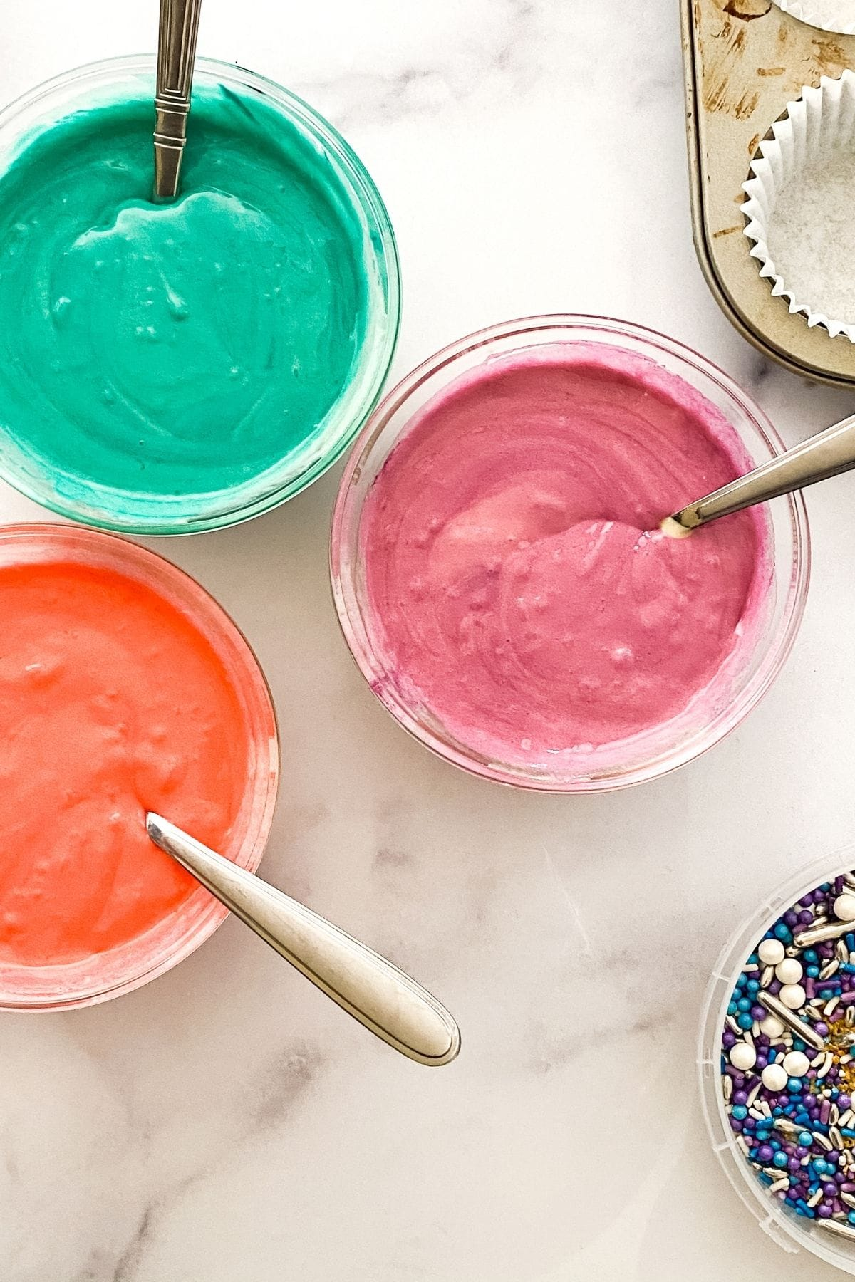 Adding color to cake mix