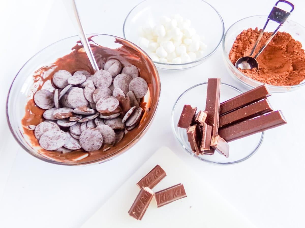 supplies to make kit kat hot cocoa bombs