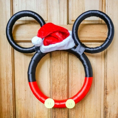 mickey holiday wreath